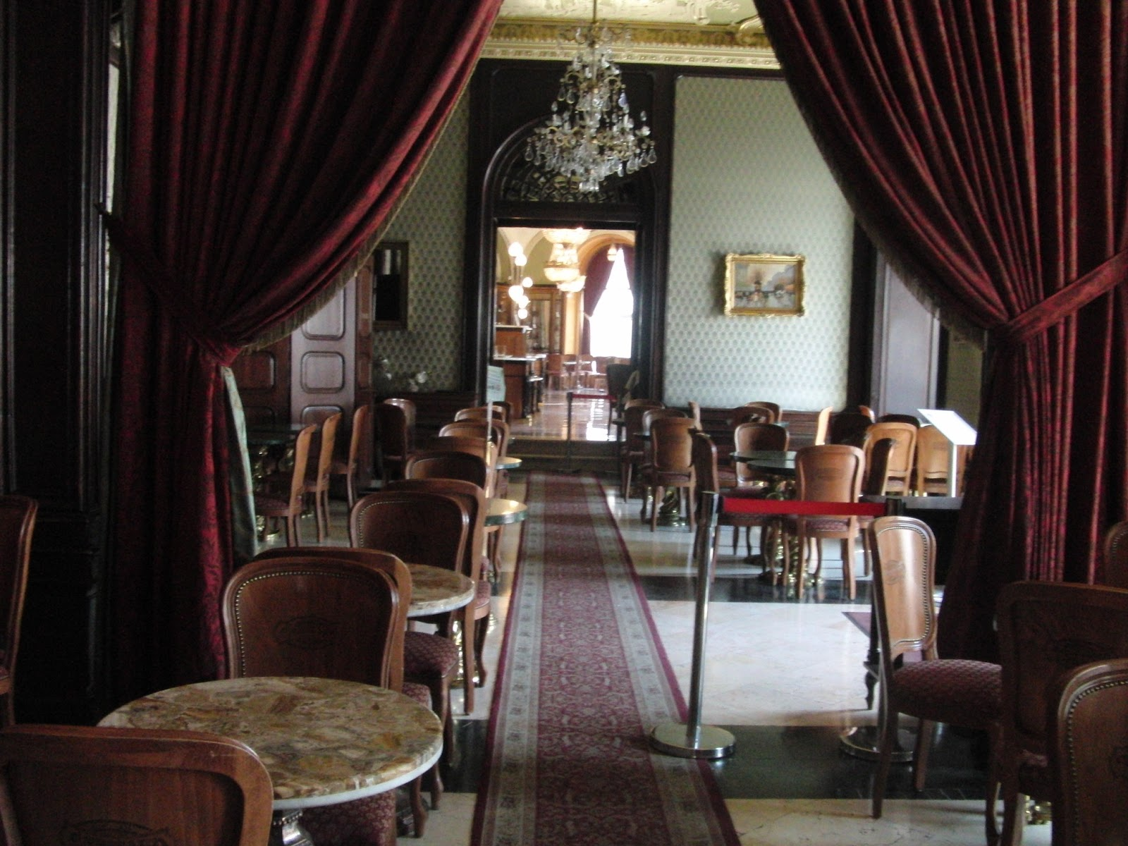 dunrobin chatrooms With 189 rooms, dunrobin castle is the largest in the northern highlands it's also the most northerly of scotland's great houses and is one of britain's oldest continuously inhabited houses dating back to the early 1300s, home to.